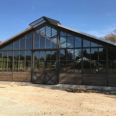 vue-facade-vitree-construction-equestre-manege-cruard